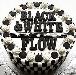 BLACK & WHITE / FLOW